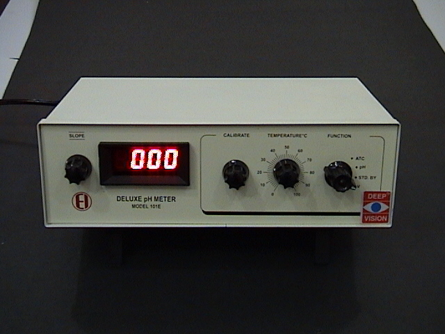 VOLTAGE CONVERTER: 220 VOLT FROM 110 VOLT OUTLETS
